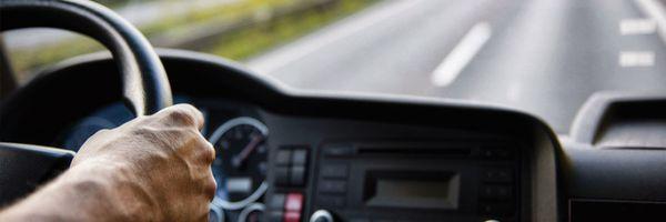 Motorista carreteiro deverá ser indenizado por jornada exaustiva, decide TST