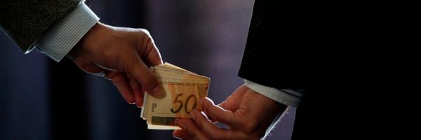 Projeto quer vetar aposentadoria especial de parlamentar condenado por corrupção