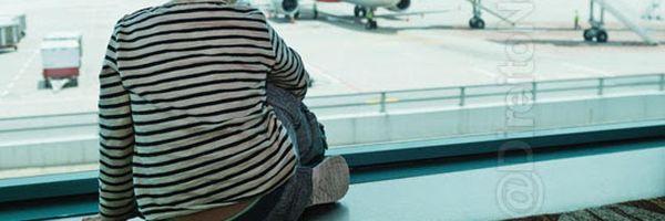 Azul é condenada por impedir embarque de filho adotivo de casal homoafetivo
