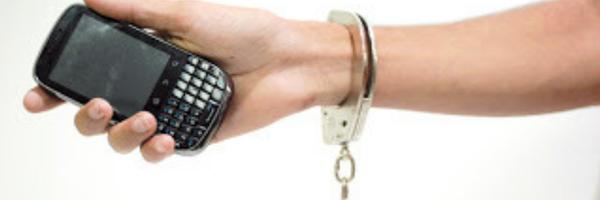 Empresa de telefonia é condenada a restituir multa de fidelidade a usuária