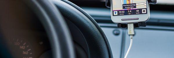 STF declara inconstitucionais leis que proíbem transporte por aplicativos