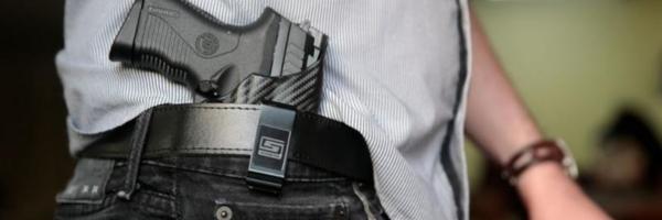 Projeto prevê suspensão de posse de arma para agressor de crianças e jovens