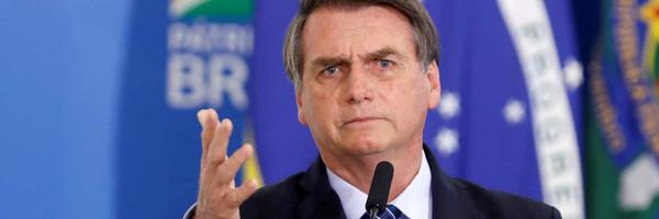 Bolsonaro veta lei que permite contratação de advogado e contador sem licitação
