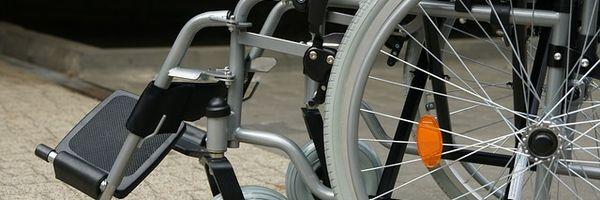 Empresa aérea pagará indenização por danos morais por extravio de cadeira de rodas