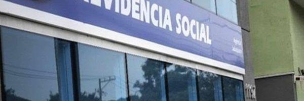 Aposentada consegue aumento de 300% pelo INSS em revisão: entenda