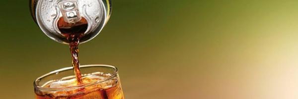 Negado dano moral a consumidor que não ingeriu refrigerante