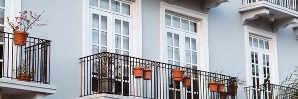 Posso negociar a dívida do condomínio atrasado?