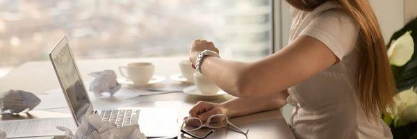 Empresa deve pagar por tempo que funcionária aguardava ser chamada para trabalhar