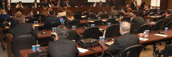 OAB-PR: Conselho Pleno aprova moção para suspender criação de cursos de Direito por 10 anos