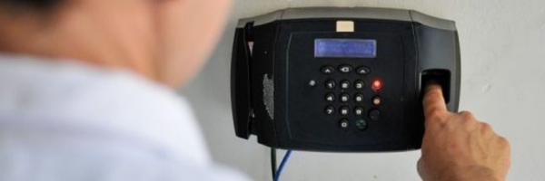 Projeto exige ponto eletrônico e proíbe uso de celular por profissionais em unidades de saúde