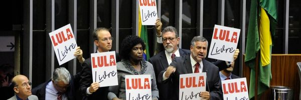 """Os parlamentares podem incluir """"Lula"""" em seus nomes?"""
