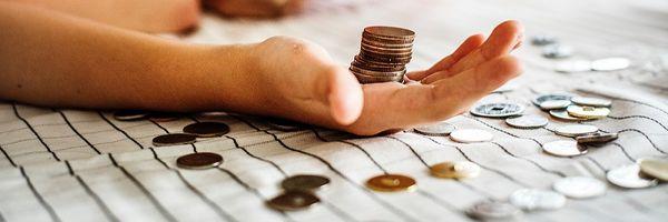 Como se dá a extinção do crédito tributário pela compensação?