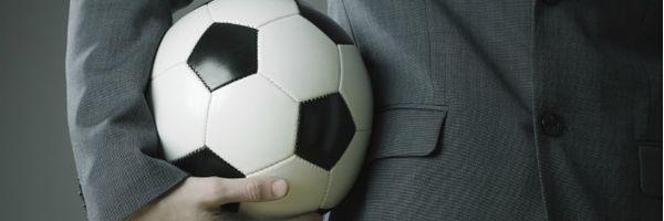 A relação entre 'direitos econômicos', 'direitos federativos' e investidores no direito desportivo brasileiro