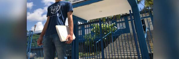 Adolescente que dormiu na rua e sonha em ser delegado é aprovado em Direito numa universidade pública