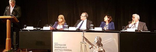 Advogados e magistrados repudiam fusão da Justiça do Trabalho com a Federal
