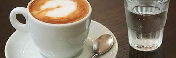 Advogado, ofereça café e água, sempre - Seja querido por seus clientes
