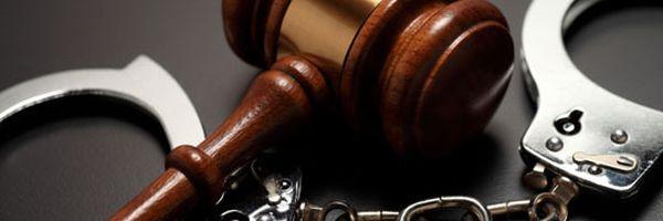 Bloqueio de conta e prisão indevida, veja casos que geram indenização por erro judiciário