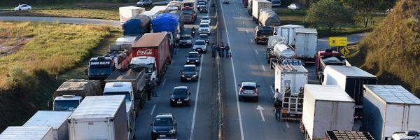 Pode haver descontos durante o período de greve dos caminhoneiros?
