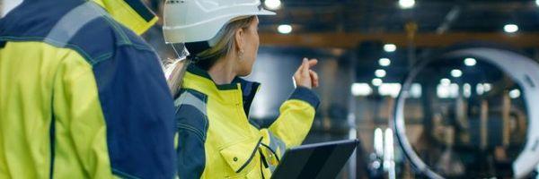 O empregado que substitui outro trabalhador na empresas tem o direito de receber o mesmo salário do substituído.