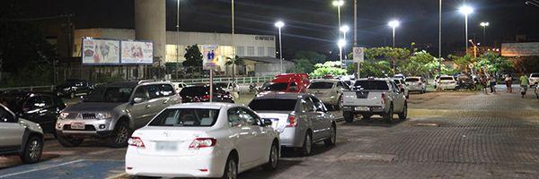 Shopping deve indenizar consumidor por roubo em estacionamento