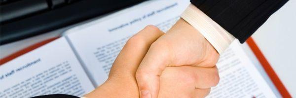 Mesmo prevista em contrato de adesão, arbitragem não prevalece quando consumidor procura via judicial