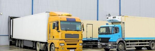 Empresas que contratam transportadoras de carga não respondem por verbas trabalhistas contraídas pela empresa de transporte.