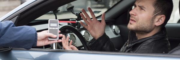Tribunal de Justiça manda devolver CNH a motorista flagrado em teste do bafômetro