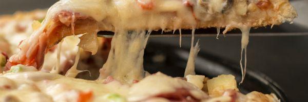 A polêmica sobre a cobrança da pizza de dois sabores