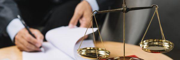Advogado aprovado em concurso com previsão de 40 horas semanais não tem direito a horas extras