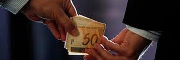 Falsa perícia mediante suborno, qual a figura típica?