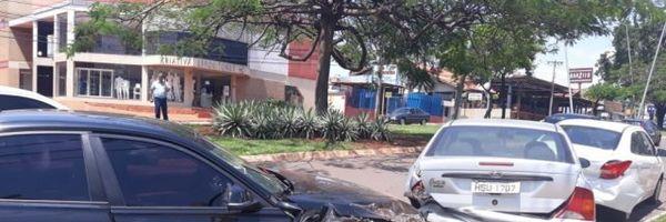 Colisão com veículo estacionado irregularmente