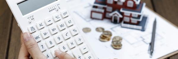 Dívida de condomínio fica atrelada a imóvel e deve ser paga por atual proprietário