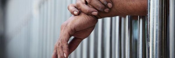 "Falta de estrutura do Estado faz preso ""pular"" do regime fechado ao aberto."