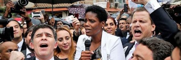 Dia histórico para a advocacia: OAB desagrava advogada algemada a mando de juíza no RJ