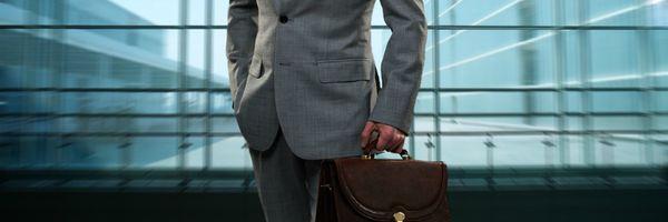 [Enquete] Como cliente, você contrataria um advogado recém-formado? Por quê?