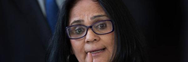 Ação popular pede afastamento imediato da ministra Damares Alves do cargo