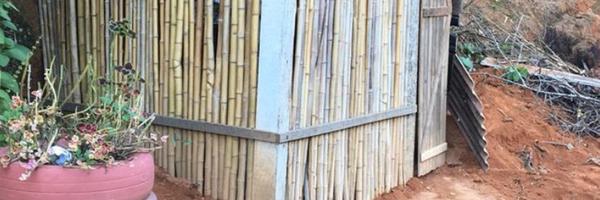Caseiro constrói quartinho de bambu e comove filha que não tinha lugar para estudar