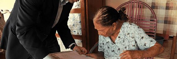 Juiz vai até a casa de idosa para lhe conceder aposentadoria