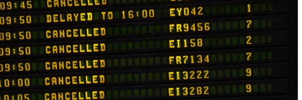 Cancelamento injustificado de voo gera indenização para consumidora