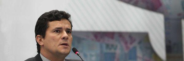 Deputados querem que CNJ indefira o pedido de exoneração do Juiz Moro.