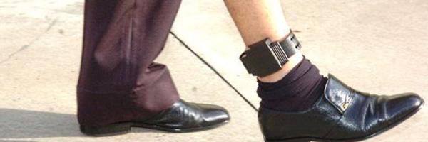 Agressores de mulheres poderão ter que usar tornozeleira eletrônica, aprova CDH