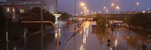 Prejuízo causado por enchente em imóvel alugado: de quem é a responsabilidade?
