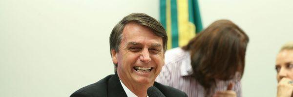 Bolsonaro defendeu em entrevista aumentar para 21 os ministros do STF