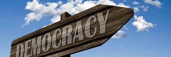 """Democracia Digital, Democracia Líquida e a """"uberização"""" da política"""