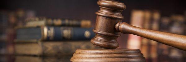 Execução de sucumbência independe de revogação de justiça gratuita em ação própria
