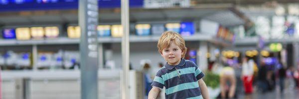 Restrição às viagens desacompanhadas se estende aos adolescentes menores de 16 anos