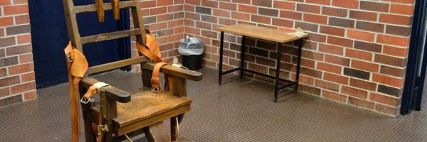 Estado americano força condenados à morte a escolher entre cadeira elétrica e pelotão de fuzilamento