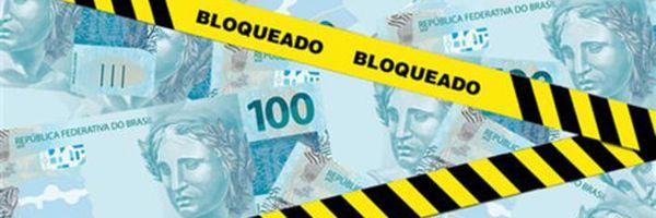 Juiz bloqueia 10% de conta corrente e passaporte de devedora