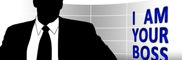 O empregado que exerce cargo de confiança com amplos poderes de mando e gestão pode ficar impossibilitado de prestar depoimento na condição de testemunha