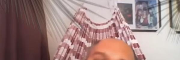 Advogado da Bahia participa de sessão de julgamento deitado em rede